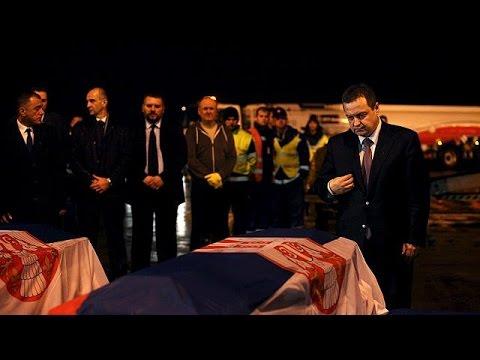 Σερβία: Επαναπατρίστηκαν οι σοροί των διπλωματών που σκοτώθηκαν στη Λιβύη
