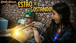 ELES ESTÃO GOSTANDO UM DO OUTRO!! - ESCOLA DE BRUXOS #11 [ REZENDE EVIL ]