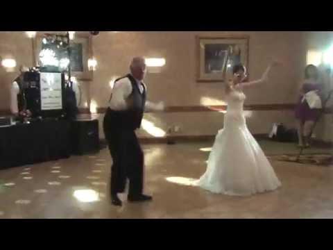 Apa és lánya tánca