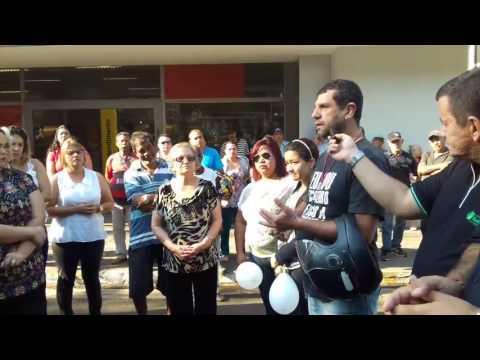 População faz manifestação por mais segurança no município de Mineiros (GO) - Part.01