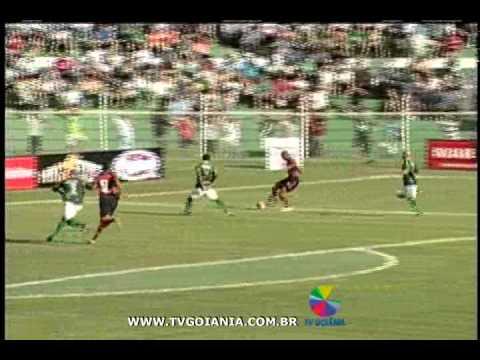 Atlético Goianiense se assusta, mas vence o Rio Verde