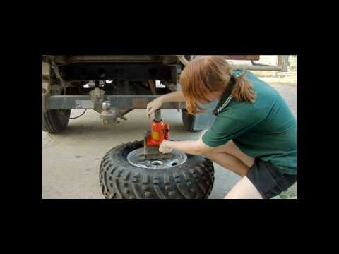 rim tyre - This is how to debead a tyre from an ATV wheel / rim. It's so ezy my 12 year old daughter can do it.
