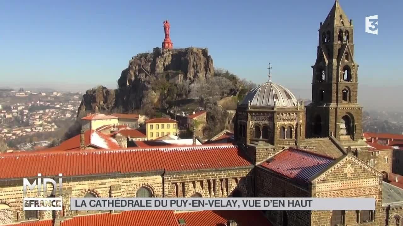 La Cathédrale  vue d'en Haut Midi en France MARS 2015