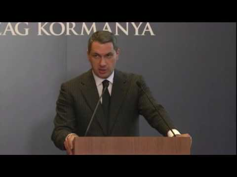 Lázár János, a Miniszterelnökséget vezető miniszter a 69. Kormányinfón a Heti Tv kérdésére válaszolt.