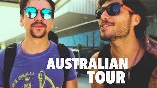 Em 2016, fizemos um tour pela Autrália.Passamos por 4 cidades : Perth/Brisbane/Melbourne e Sydney.Ao todo, foram 15 dias de viagem.Em breve, lançaremos mais episódios do que aconteceu por lá!Siga Bruninho & Davi nas redes sociais:Site oficial: http://www.bruninhoedavi.com.brFacebook: http://www.facebook.com/bruninhoedaviTwitter: http://twitter.com/bruninhoedaviInstagram: http://instagram.com/bruninhoedaviVEVO: http://www.youtube.com/BruninhoeDaviVEVO
