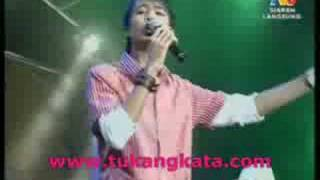Video Aliff Aziz - Sayang Sayang (Jom Heboh Danga Bay) MP3, 3GP, MP4, WEBM, AVI, FLV Agustus 2018