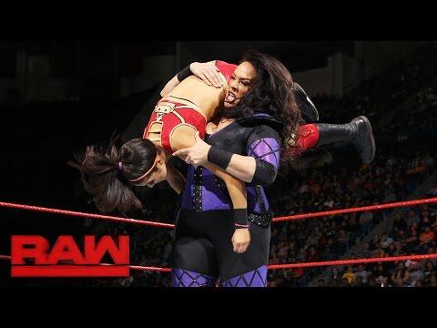 Bayley vs. Nia Jax: Raw, Oct. 31, 2016