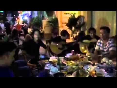 Đàm Vĩnh Hưng và Hồng Ngọc giao lưu ca hát đường phố cực vui (phần 1)
