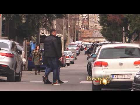 Sloba baca žvaku na pod i ne poštuje saobraćajne propise