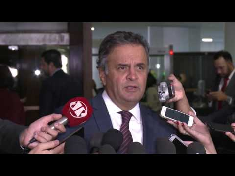 """""""Cargo de ministro da Justiça não combina com indicações partidárias"""", diz Aécio Neves"""