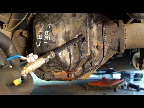 Transmission oil filler system  Paddock PM 1238 – Land Rover servicing