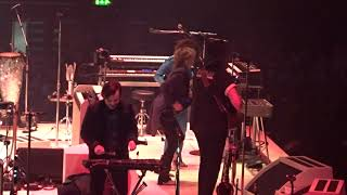 Arcade Fire/Chrissie Hynde - Don't Get Me Wrong, live at SSE Arena Wembley, London, 11 April 2018
