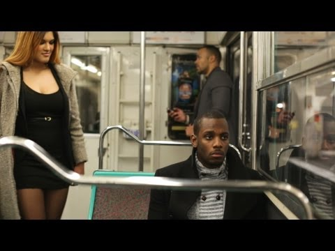 Drague dans le métro - Flirt in the subway