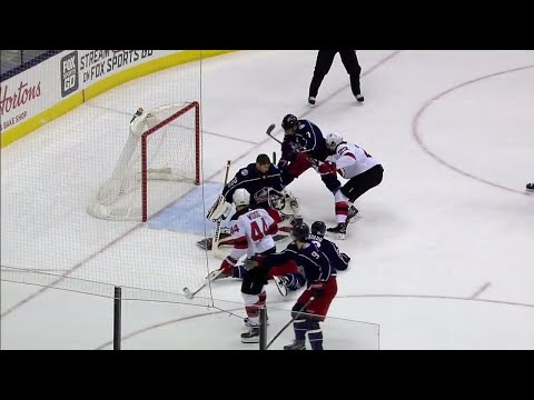 Video: Devils' Noesen scores despite Blue Jackets' Bobrovsky losing his mask