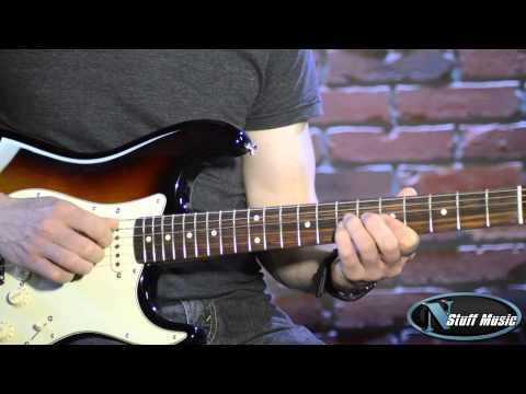 Fender Classic Series '60s Stratocaster® Lacquer RW 3-Color Sunburst