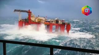 Video MENCEKAM! Detik-detik kilang minyak terhempas badai di laut lepas MP3, 3GP, MP4, WEBM, AVI, FLV Agustus 2019