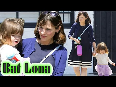 Zooey Deschanel steps out with her daughter Elsie after New Girl ends