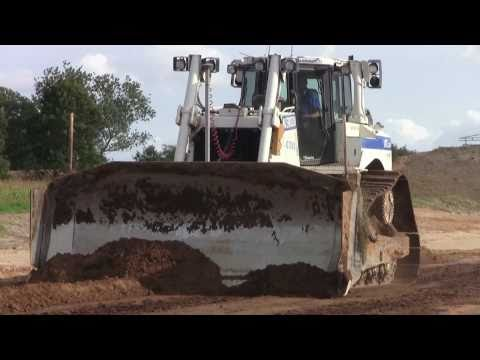 Cat D8T With GPS Pushing Dirt