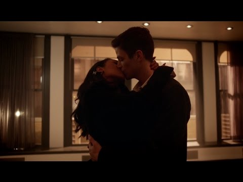 Barry shows Iris the new house  - S03E09 - THE FLASH SEASON 3 WINTER FINALE