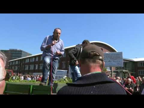 Rendsburg 2016: Milcherzeuger Demo beim Bauernverba ...