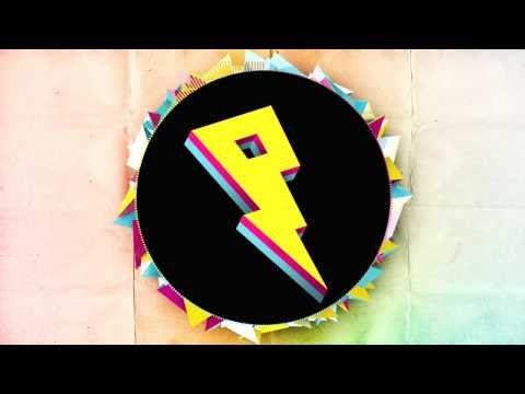Buzz Artiste Musique ♥ Jen Ice - Posez vos télescopes, plus besoin de scruter le ciel étoilé à l'attendre indéfiniment. Vous l'attendiez votre rencontre du 3ème type rapologique, on vous la présente en 13 titres face B. Au commande de l'ovni, Jen Ice, jeune MC de 20 ans et originaire de Lognes, bastion hip hop qui aura notamment vu l'éclosion de DJ Mars et la formation de Time Bomb. Zone G, son premier projet, mixé par DJ F.I.X vous présente ses inspirations, allant de Nate Dogg à Tyga en passant par Vybz Kartel, ainsi qu'un aperçu de son habileté au micro. Un flow venu d'ailleurs, d'une planète pas si lointaine, Jen Ice vous présente son monde, musical, hip hop, frais, original, dans lequel il vous convie. Vous risquez de ne plus jamais vouloir « rentrer maison ».