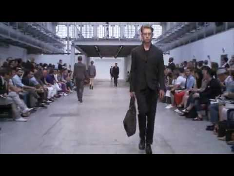 Video | Costume National Spring/Summer 2011 Runway