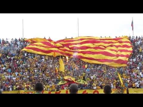 Telón aurirrojo | Aragua FC - Caracas FC | @SoloFutbol_VE  SoloFutbolVe.com.ve - Los Vikingos - Aragua