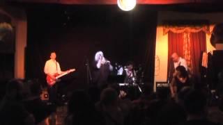 Video Deny & Torpéda - Nešlap mi na sandály (live)