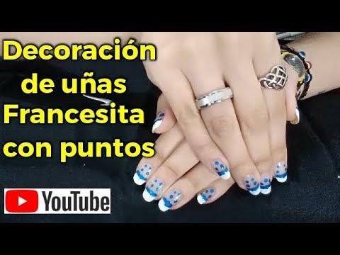 Decorados de uñas - Decoración de Uñas con puntos azules