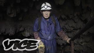 遺骨を掘り続ける男OKINAWA 2015 - EPISODE 2