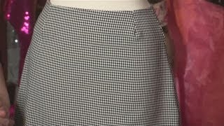 Video How To Sew A Simple Skirt MP3, 3GP, MP4, WEBM, AVI, FLV Juli 2018