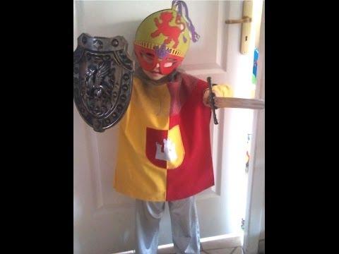 Faire soi-même un déguisement de chevalier médiéval d'enfant