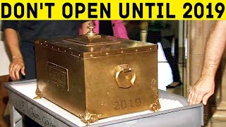Video 100-YEAR-OLD TIME CAPSULE WAS FINALLY OPEN! MP3, 3GP, MP4, WEBM, AVI, FLV Mei 2019