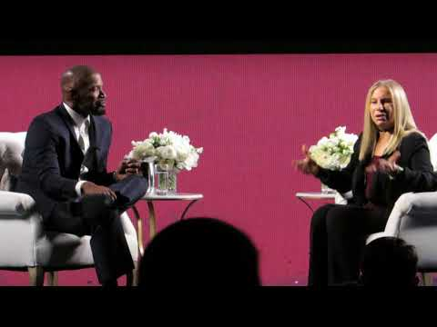 Barbra Streisand Talks to Jamie Foxx