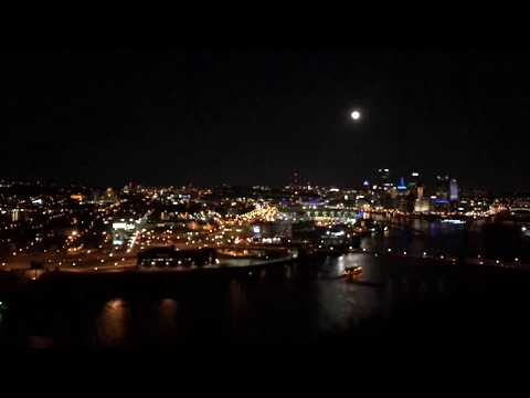 Pittsburgh, Pennsylvania. 3-3-18 Moon 8:12-9:40 pm 36° time-lapse.