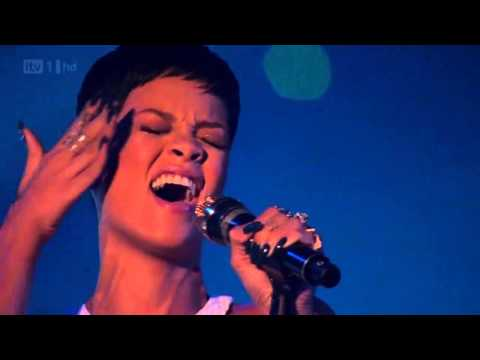 Rihanna  Best Performance ever [HD]