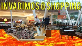 INSCREVA-SE: https://www.youtube.com/channel/UCMPPsRQg12IYk2V7vOfx-9A/videosGALERA, no video de hoje fomos até o shopping e fizemos a brincadeira o chão é lava, the floor is lava la dentro!! subimos ate em cima de pessoas para realizar o desafios ta fera demais!!!SE QUEREM MAIS ESSE TIPO DE VIDEO ESTOURA DE LIKE O VIDEO!!CURTA NOSSA NOVA PAGINA NO FACEBOOK: https://www.facebook.com/VossoCanal-1322530574487146/?ref=aymt_homepage_panelcanal do rezende: https://www.youtube.com/user/rezendeevilinstagram JUNINHO - https://www.instagram.com/juninhomane...ROSSINI - https://www.instagram.com/joaorossini7/REZENDE - https://www.instagram.com/rezende_ofi...snapchatREZENDE - imrezendeROSSINI - joaorossini7JUNINHO -jmanella7twitter @vossocanalemail: edsonmanella@outlook.com