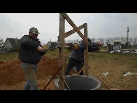 что главное в строительстве колодца установка колец в шахту (видео)