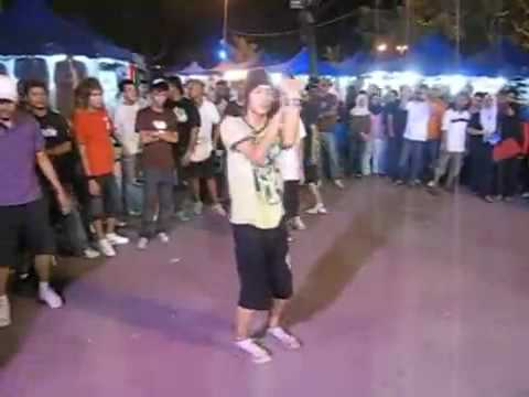 shuffle malaysian - some of the coolest shufflers and ravers!!!! the best part at 3:40.
