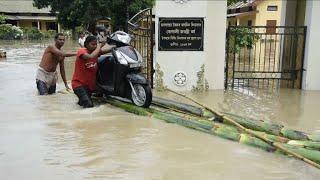 Pelo menos 175 pessoas morreram e milhares foram obrigadas a abandonar suas casas na Índia, Nepal e Bangladesh. Os países são atingidos por fortes chuvas e i...