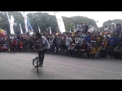Aiman Hidayah, Final Run at Malang Fest and Reunion 2013vid-thumb Click here to watch