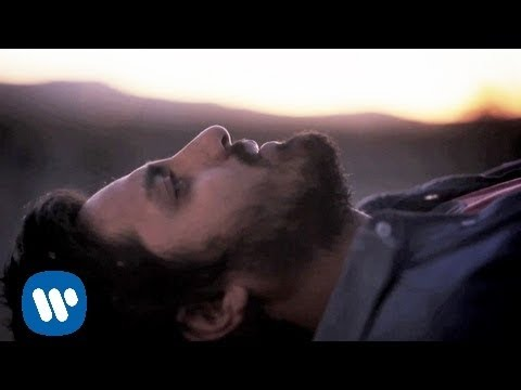 YoungtheGiant - Young the Giant's music video for 'Apartment' from the self-titled debut album - available now on Roadrunner Records. Visit http://youngthegiant.com for more! Directed by Marcus Haney iTunes:...