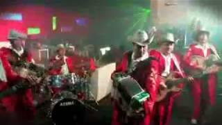 video y letra de El baile del santa claus por Grupo Exterminador