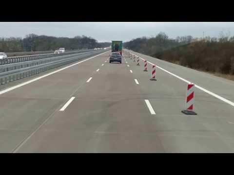 Autobahn A9 bei Bitterfeld/Wolfen (Sachsen-Anhalt) /  ...