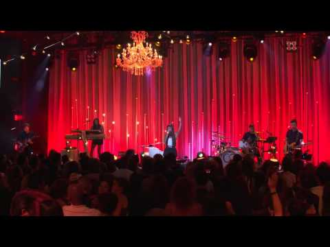 Christina Perri - Burning Gold - Live on the Honda... Christina Perri