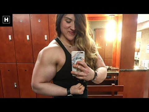 Massive Female Bodybuilder Flexing Her Powerful 18 Inch Biceps | Courtney