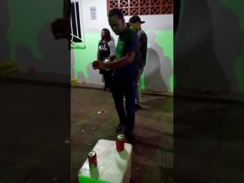 Carnaval em goiandira acaba de revelar o novo jacaré do e o tchán .pense no gingado do dancarino ..