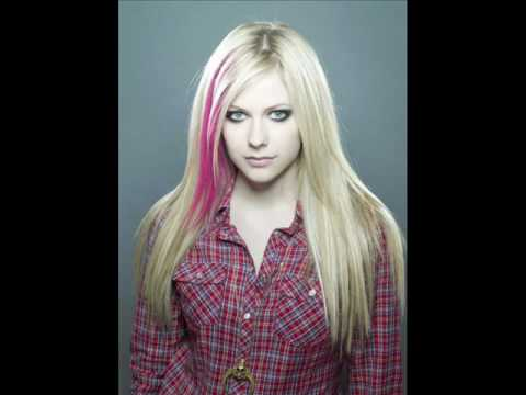 Avril Lavigne – Touch The Sky