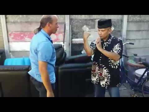 PUKULAN PETARUNG BY RONNY LERRICK. (видео)
