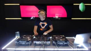 "Spartaque supporting ""Oscar L – This is Our Night"" [Live @ Radio Intense 26.09.2013 -  (Supreme 132)]"
